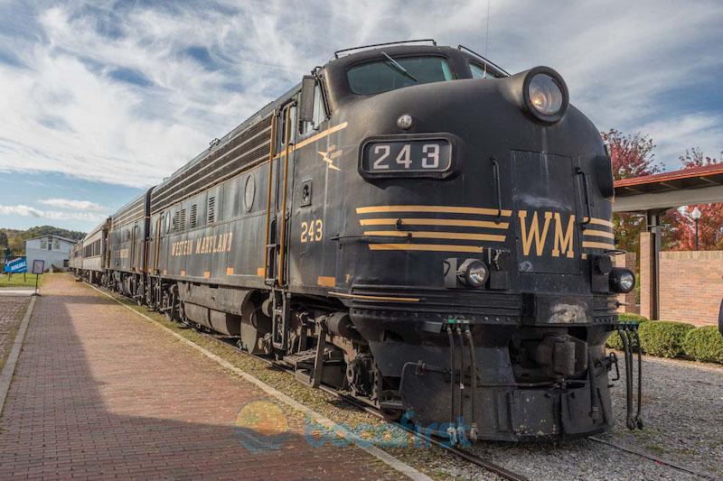 1952 General Motors EMD-FP7 locomotive